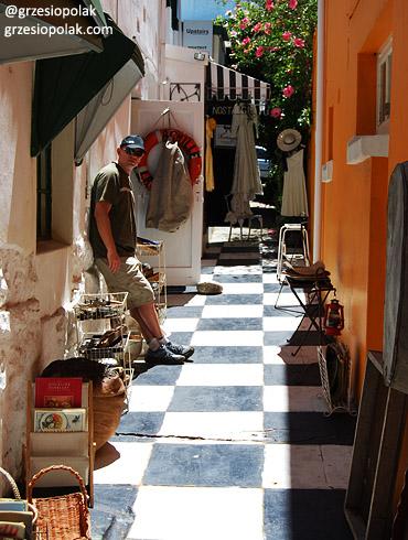 Urocza uliczka w miasteczku na Przylądku Kapsztadzkim